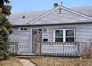 Foreclosed Home in Racine 53405 WESTLAWN AVE - Property ID: 4468152626