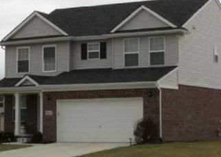 Foreclosed Home in Westland 48185 WILLOW CREEK PKWY - Property ID: 4468161830