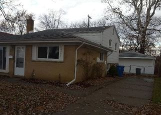 Foreclosed Home in Dearborn Heights 48125 HANOVER ST - Property ID: 4468166635