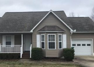 Foreclosed Home in Winston Salem 27127 BECKEL RD - Property ID: 4468227969