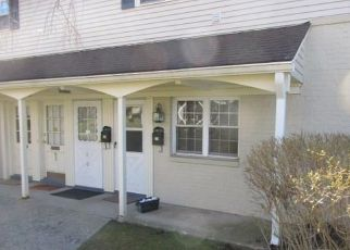 Foreclosed Home in Fairfield 06824 UNQUOWA RD - Property ID: 4468265166