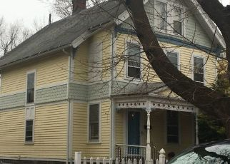 Foreclosed Home in Bridgeport 06605 GROVE ST - Property ID: 4468275697