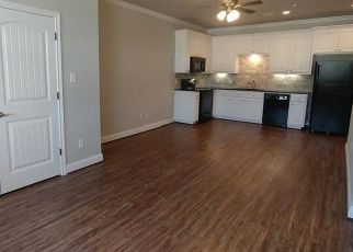 Foreclosed Home in Bryan 77803 N MAIN ST - Property ID: 4468324301