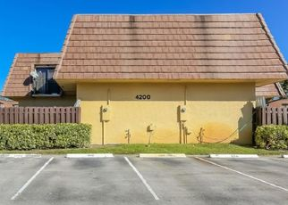 Foreclosed Home in Lake Worth 33467 TURNBERRY CIR - Property ID: 4468376422