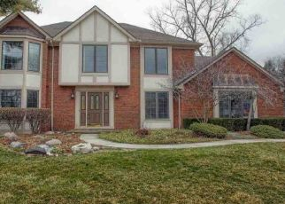 Foreclosed Home in Sterling Heights 48310 LENOMAR CT - Property ID: 4468713672