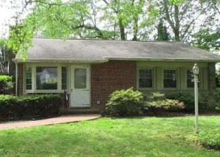 Foreclosed Home in Lancaster 17601 VILLAGE DR - Property ID: 4469028572