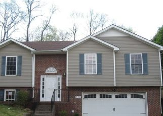 Foreclosed Home in Clarksville 37040 SUGARCANE WAY - Property ID: 4469190622