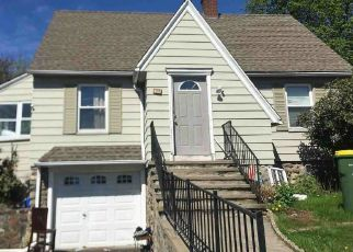 Foreclosed Home in Waterbury 06705 MANSFIELD AVE - Property ID: 4469355294