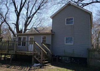 Foreclosed Home in Highland 46322 RIDGE RD - Property ID: 4469720124