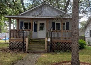 Foreclosed Home in Griffith 46319 N RAYMOND ST - Property ID: 4469722762