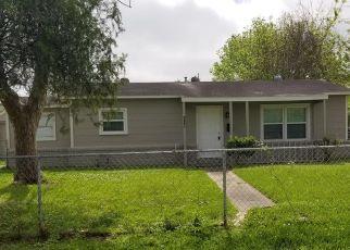 Foreclosed Home in La Marque 77568 ELEANOR ST - Property ID: 4469849780