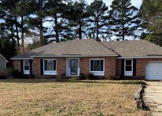 Foreclosed Home in Fayetteville 28304 STRICKLAND BRIDGE RD - Property ID: 4470124828