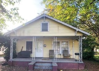 Foreclosed Home in Charlotte 28208 BRADFORD DR - Property ID: 4470126572
