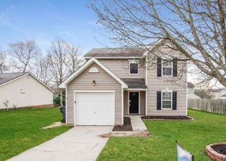 Foreclosed Home in Charlotte 28269 WINTER PINE LN - Property ID: 4470269792