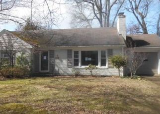 Foreclosed Home in Erie 16505 CHEROKEE DR - Property ID: 4470295182