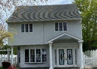 Foreclosed Home in Massapequa 11758 W SHORE DR - Property ID: 4470321920