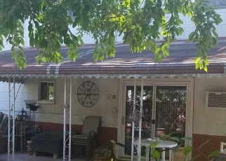 Foreclosed Home in Lindenhurst 11757 N PUTNAM AVE - Property ID: 4470322342