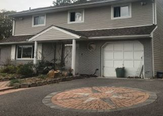 Foreclosed Home in Central Islip 11722 TREE AVE - Property ID: 4470328923