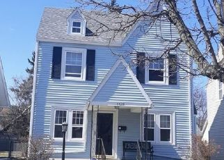 Foreclosed Home in Toledo 43612 REVERE DR - Property ID: 4470421772