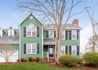 Foreclosed Home in Kernersville 27284 MIDDLEHAM DR - Property ID: 4470616221