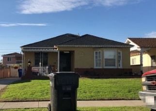 Foreclosed Home in South Gate 90280 WALNUT AVE - Property ID: 4470679286