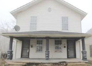 Foreclosed Home in Indianapolis 46222 N LUETT AVE - Property ID: 4470826904