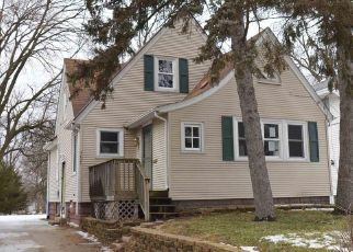 Foreclosed Home in Peoria Heights 61616 N MONROE AVE - Property ID: 4471065139