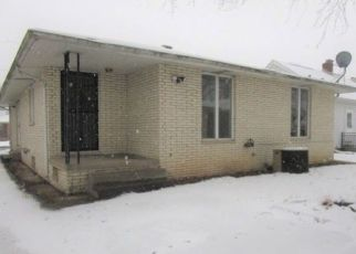Foreclosed Home in Peoria 61604 W CALLENDER AVE - Property ID: 4471067335