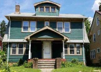 Foreclosed Home in Cleveland 44118 E OVERLOOK RD - Property ID: 4471136541