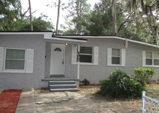 Foreclosed Home in Jacksonville 32208 RESTLAWN DR - Property ID: 4471376548