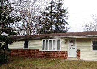 Foreclosed Home in Upper Marlboro 20774 PYLES DR - Property ID: 4471896422