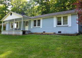 Foreclosed Home in Livingston 38570 REDBUD LN - Property ID: 4472005931
