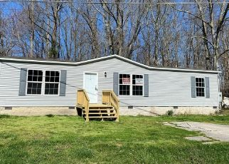 Foreclosed Home in Crossville 38558 RUNNYMEADE RD - Property ID: 4472006354