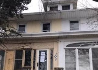Foreclosed Home in Reading 19604 N 14TH ST - Property ID: 4472292800
