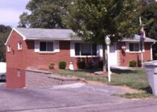 Foreclosed Home in Glenshaw 15116 SKYLARK DR - Property ID: 4472300232