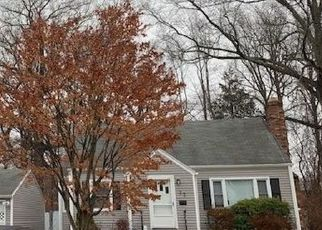 Foreclosed Home in Milford 06461 HEMLOCK DR - Property ID: 4472325642
