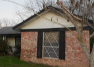 Foreclosed Home in San Antonio 78227 PLEASURE PARK ST - Property ID: 4472359363