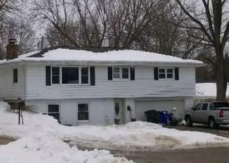 Foreclosed Home in Cedar Rapids 52403 SOUTTER AVENUE CT SE - Property ID: 4472407543