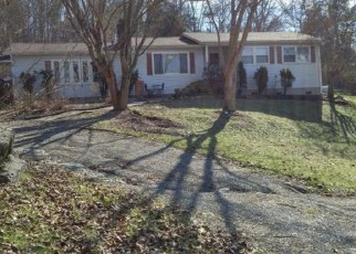Foreclosed Home in Bluff City 37618 OLD ELIZABETHTON HWY - Property ID: 4472431182