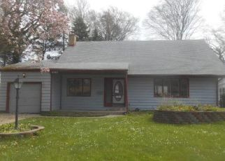 Foreclosed Home in Erie 16505 RONDEAU DR - Property ID: 4472462733