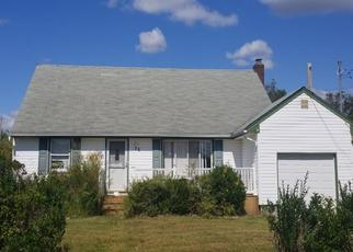 Foreclosed Home in Lindenhurst 11757 E NEPTUNE AVE - Property ID: 4472481108