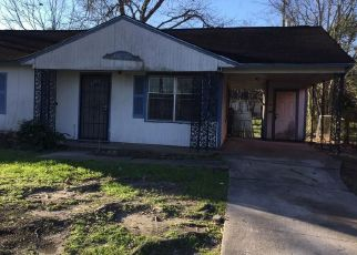 Foreclosed Home in Houston 77033 LARKSPUR ST - Property ID: 4472536750