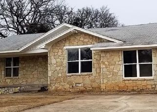 Foreclosed Home in Oklahoma City 73111 WOODS DR - Property ID: 4472541107