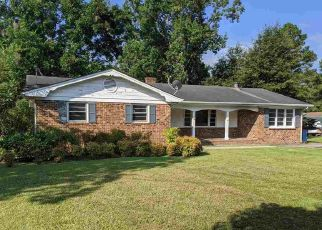 Foreclosed Home in Smithfield 27577 MAPLE DR - Property ID: 4472889759