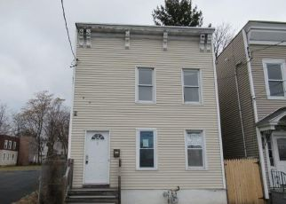 Foreclosed Home in Albany 12206 OAK ST - Property ID: 4472923927