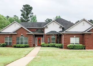 Foreclosed Home in Gladewater 75647 BIRDIE LN - Property ID: 4472968588