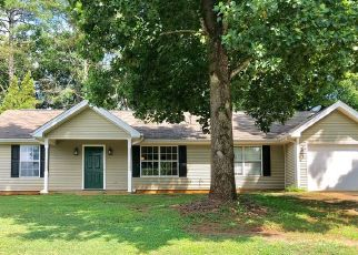Foreclosed Home in Bessemer 35022 S VIEW LN - Property ID: 4473022458