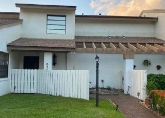 Foreclosed Home in Lake Worth 33463 NEWSTEAD CT - Property ID: 4473274288