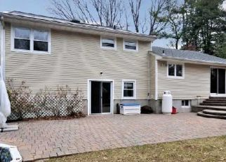 Foreclosed Home in Huntington Station 11746 ALBERMARLE AVE - Property ID: 4473314590