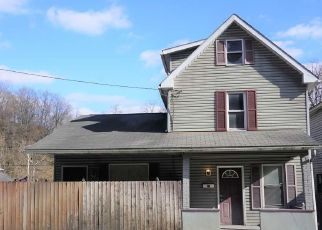 Foreclosed Home in Morgantown 26501 BROCKWAY AVE - Property ID: 4473421449